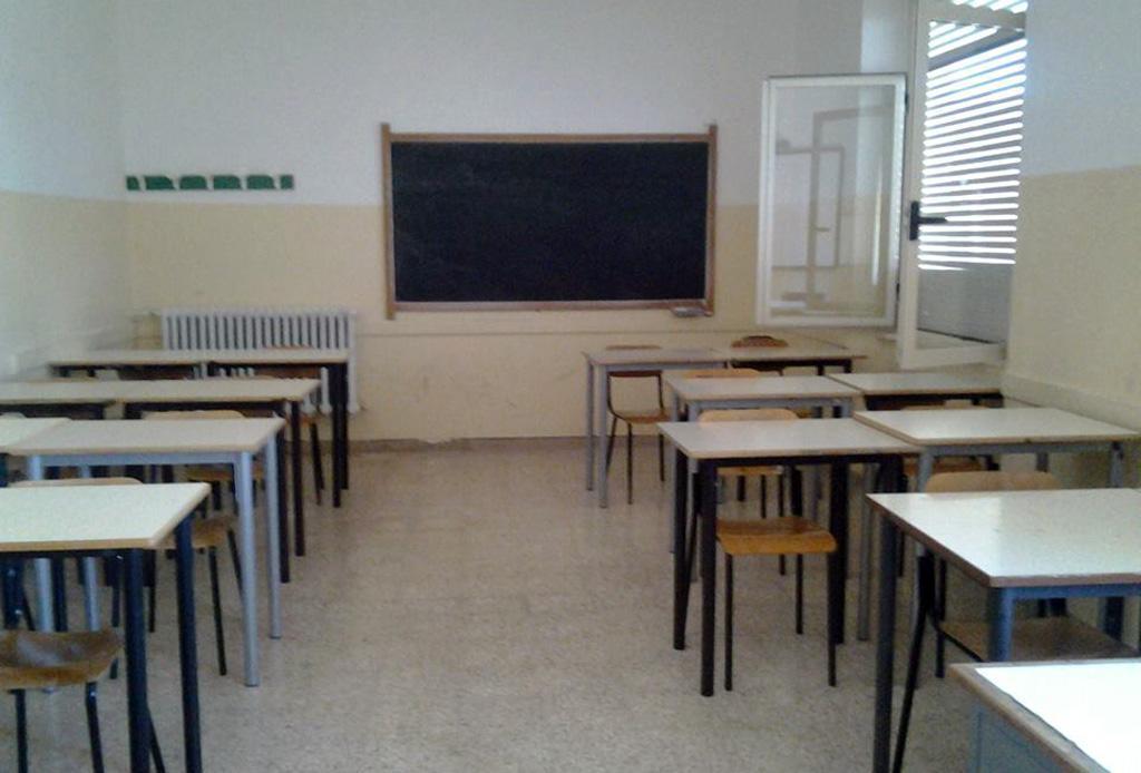 Scuola insegnante precaria