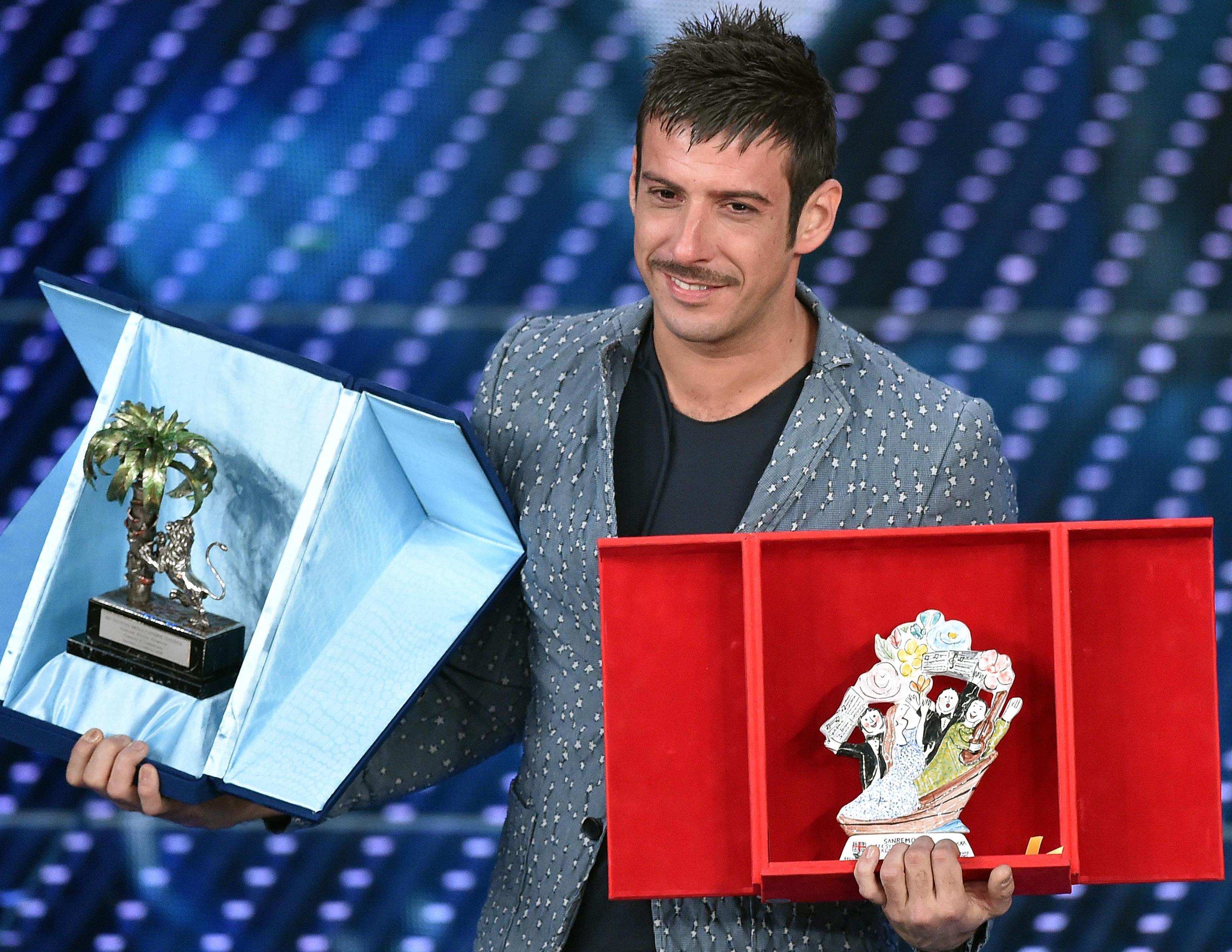 Quarta serata Sanremo 2016: Gabbani vince tra i giovani, Brignano stecca