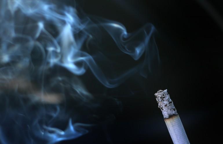 Fumo in auto: Il divieto entra in vigore, multe da 500 euro