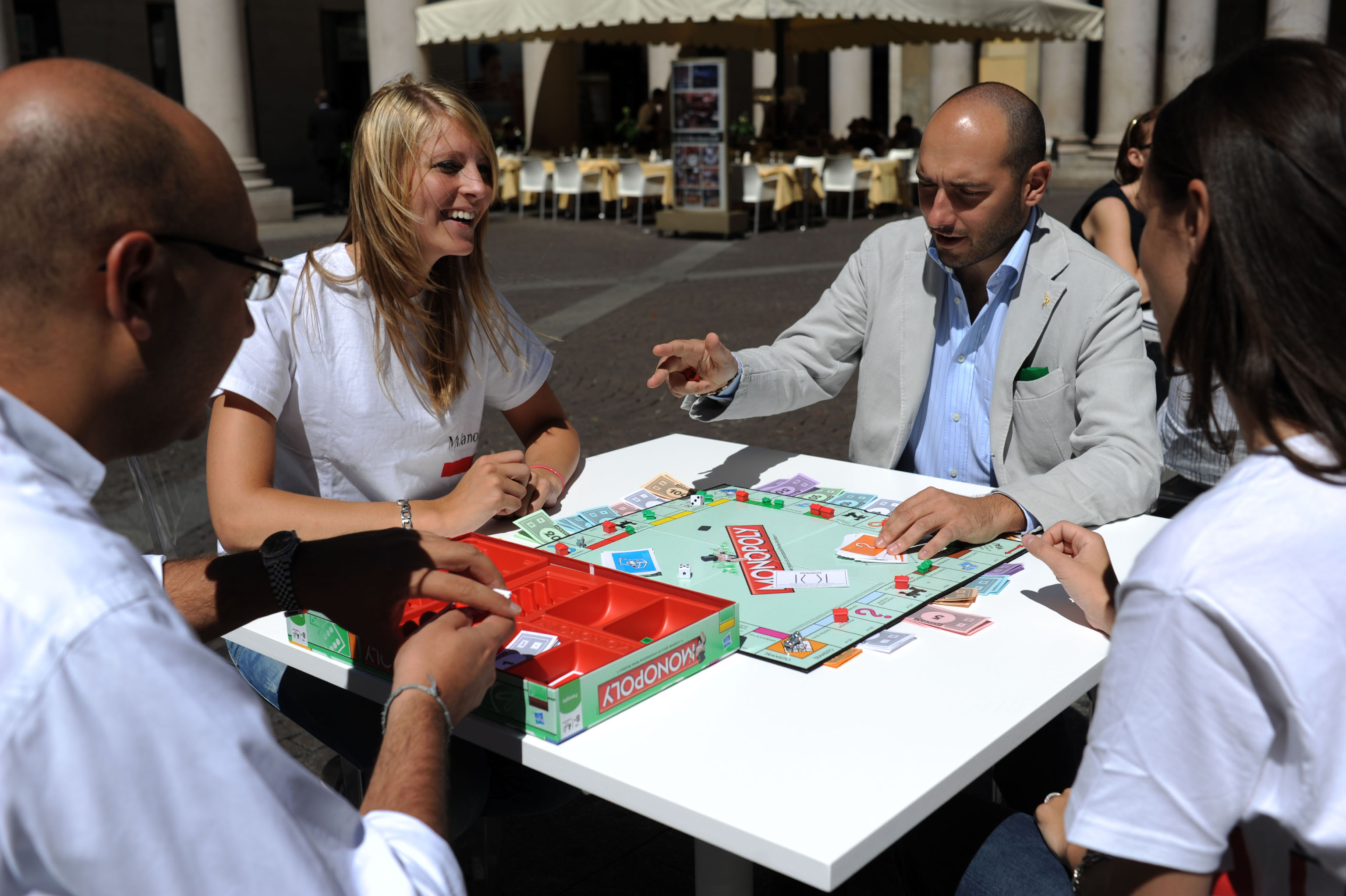 Il nuovo monopoli con il bancomat foto 1 di 5 for Nuovo arredo monopoli