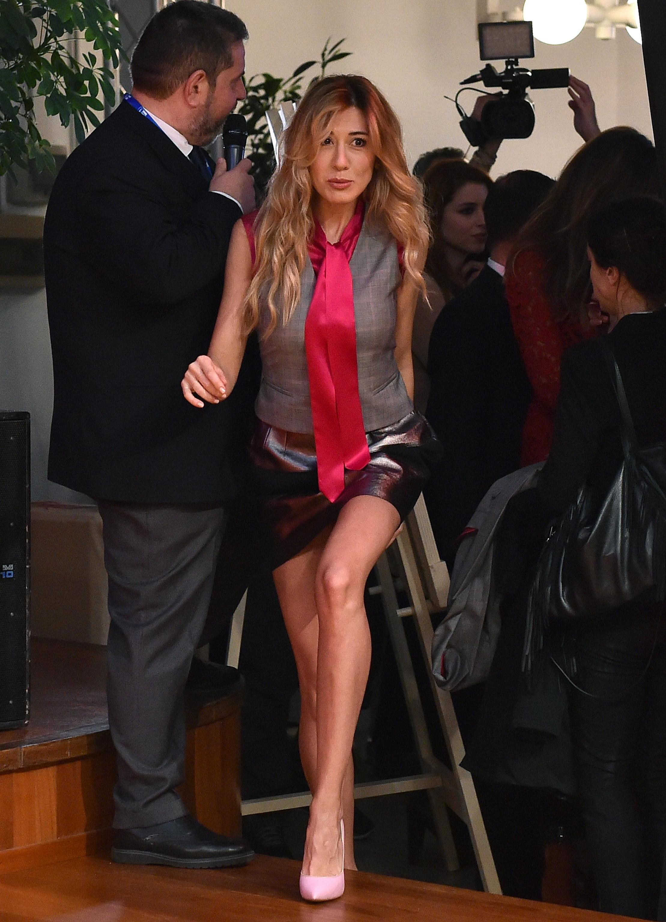 Virginia Raffaele imita Sabrina Ferilli a Sanremo 2016 ...