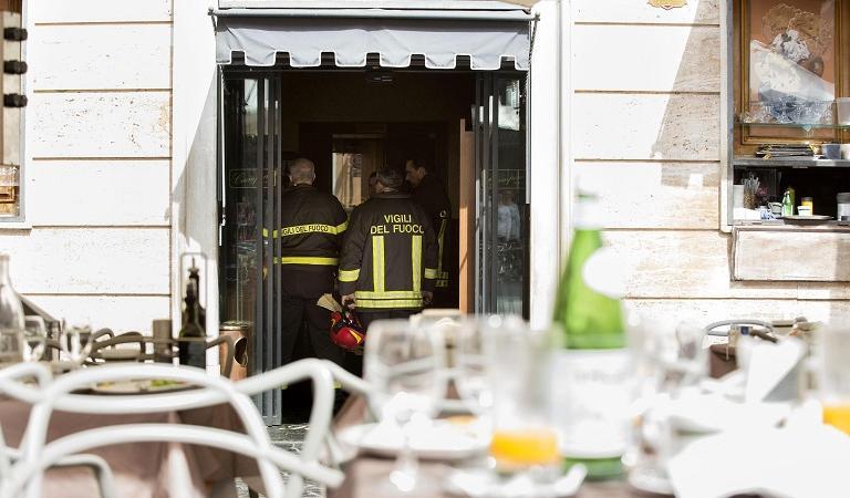 Roma, incendio al bar Ciampini