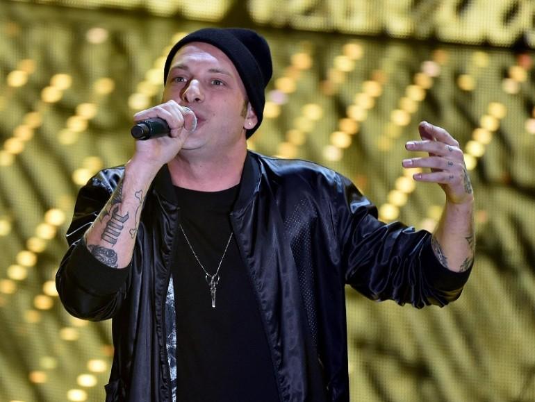 Napoli, minacce al rapper Clementino: tre in manette