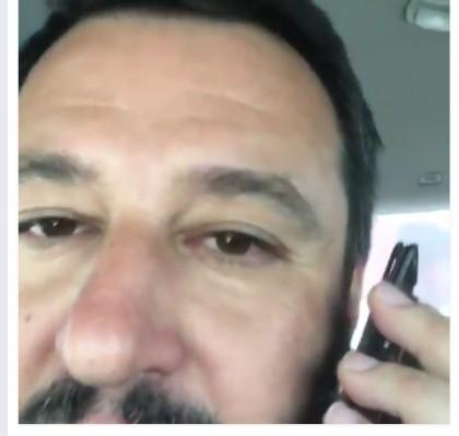 Matteo Salvini è il Silvio Berlusconi dei social