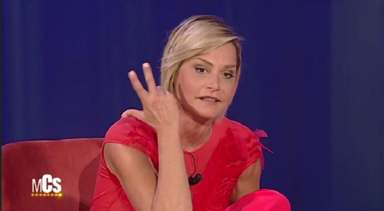 Simona Ventura al Maurizio Costanzo Show contro…