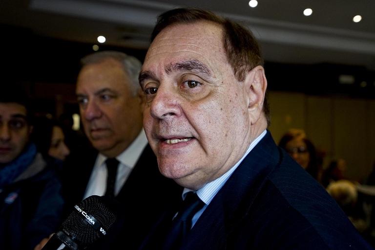 Ballottaggi, tsunami 5 Stelle: crolla il PD, a Benevento Mastella sindaco