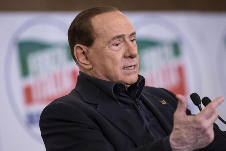 Silvio Berlusconi crede nella (sua) resurrezione