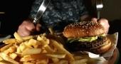 Colesterolo: quali sono i cibi da evitare assolutamente
