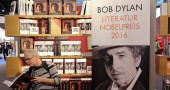 Bob Dylan risponde: «Il Nobel mi ha lasciato senza parole»