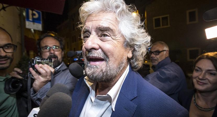 dimezzamento stipendio parlamentari Renzi Grillo
