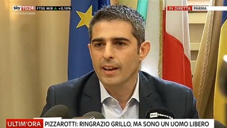 Federico pizzarotti lascia il m5s ora mi aspetto il for Movimento 5 stelle parlamento oggi