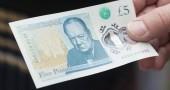 Gb, vegani e vegetariani in rivolta contro la banconota da 5 sterline con grasso animale