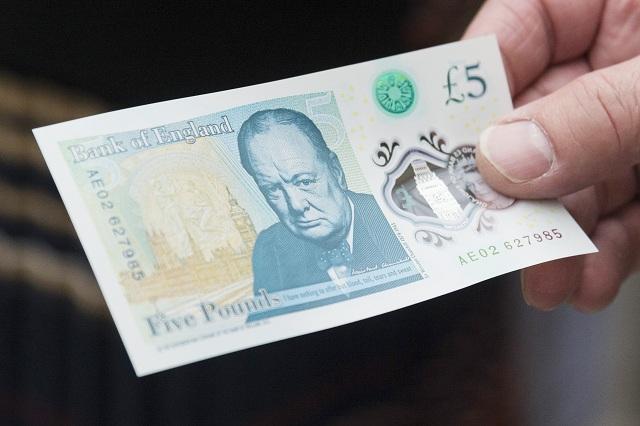 GB, vegani in guerra contro le banconote: contengono grasso animale