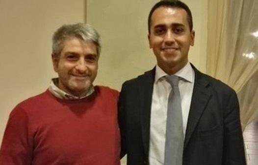 Luigi Di Maio in foto con Salvatore Vassallo, fratello del pentito Gaetano
