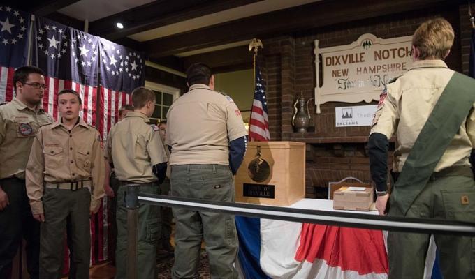 Hillary Clinton vince a Dixville Notch