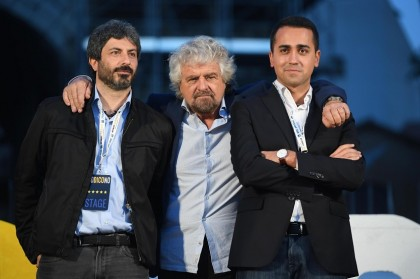 Grillo e Di Maio i più amati dagli italiani. Ma hanno contro quasi l'80% del Paese