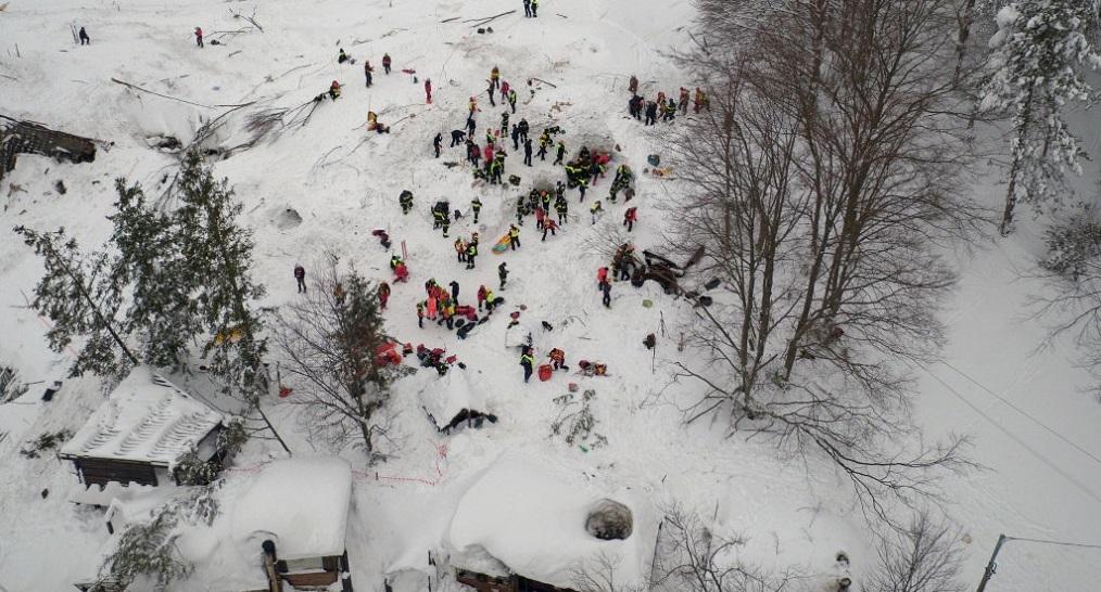Valanga Hotel Rigopiano, si scava ancora: 5 vittime accertate