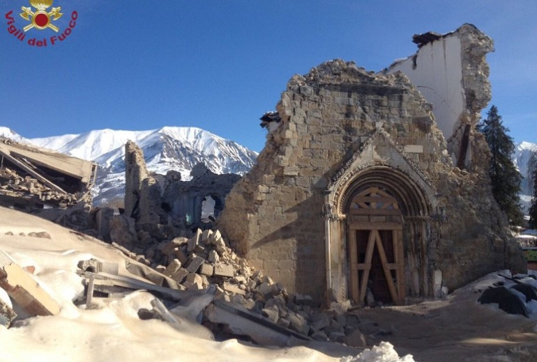 Terremoto Centro Italia, nuova scossa di 3.8 ad Amatrice