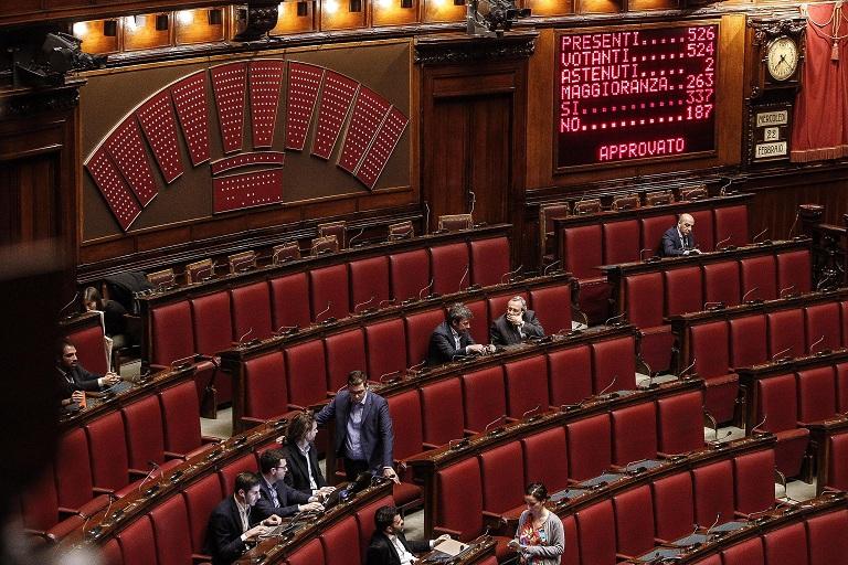 Vitalizi parlamentari le proposte di pd e movimento 5 stelle for Deputati cinque stelle