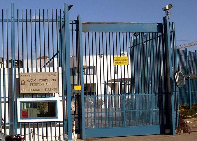 Firenze, tre detenuti sono evasi dal carcere di Sollicciano con un lenzuolo