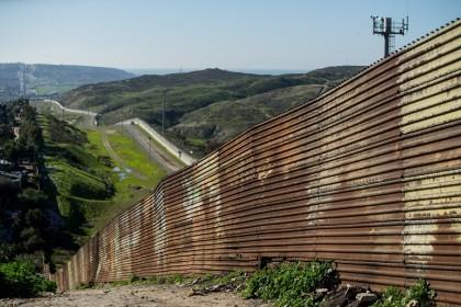 (Foto del confine tra Usa e Messico Tijuana da archivio Ansa. Credit: Gonzalo Gonzalez / Anadolu Agency)