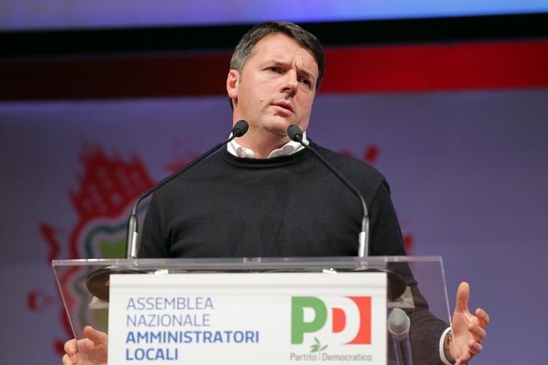 Passa la linea Renzi. Dimissioni e congresso subito