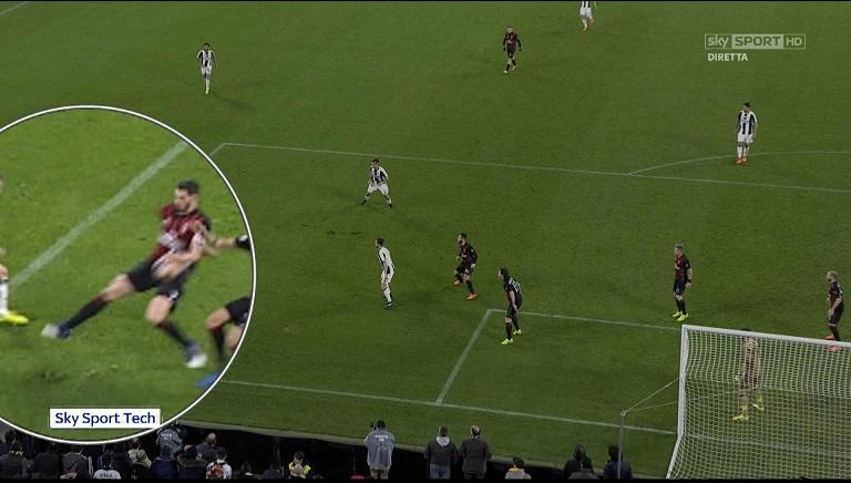 Juve-Milan continua: i retroscena negli spogliatoi