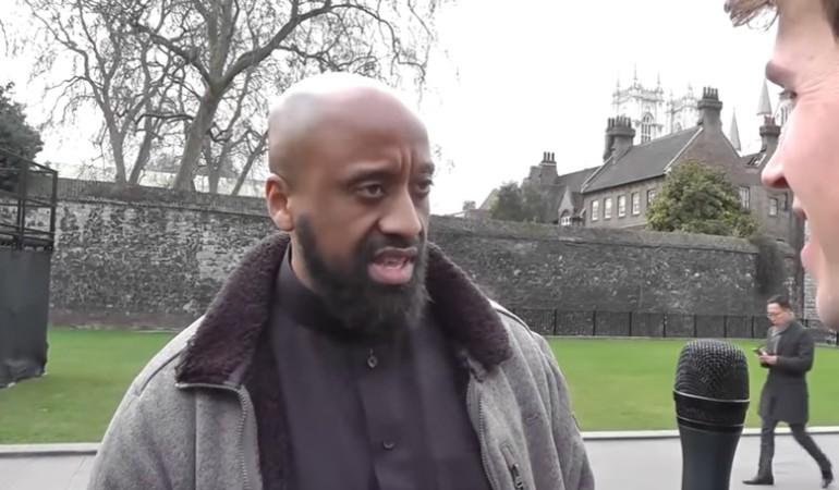 Londra, media identificano assalitore: è l'estremista islamico Abu Izzadeen