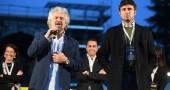 Alessandro Di Battista con Grillo: «Spetta a lui cacciare le mele marce dal M5S»