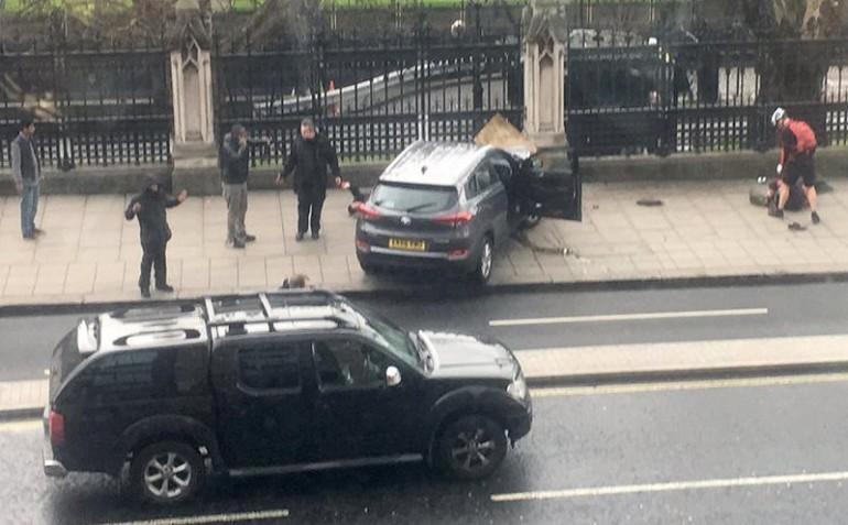 Attacco a Londra, morta in ospedale la quarta vittima