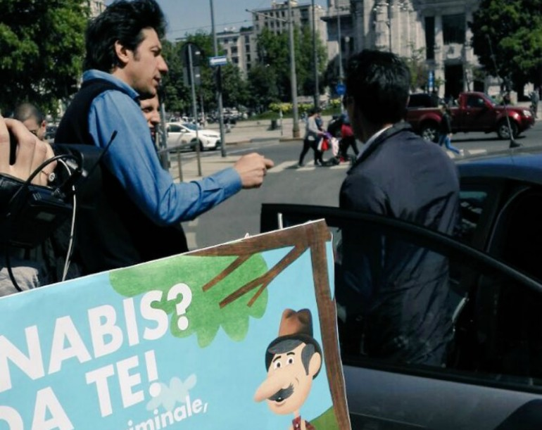 Cannabis day, i radicali seminano in piazza