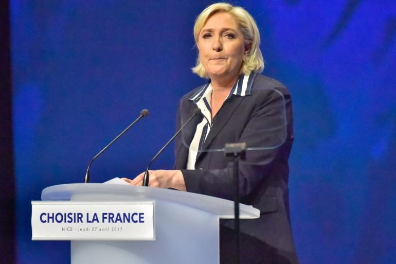 Francia. Se Macron unisce Charlie Hebdo e Zidane contro il Front National