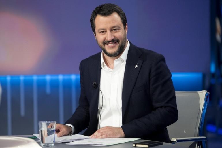 Spostato il comizio di Salvini per paura di contestazioni