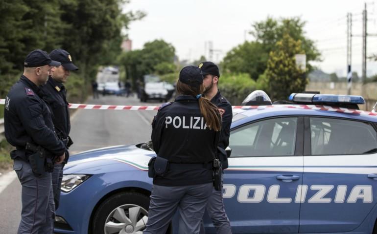 Roma, segnalato uomo con un fucile in centro: controlli in corso