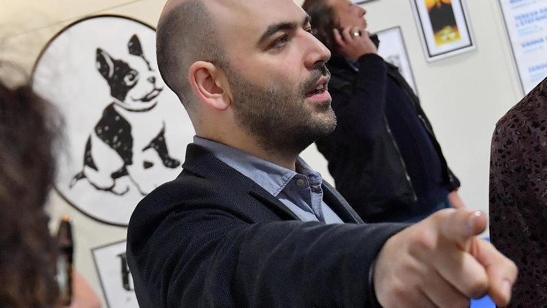 Roberto Saviano Amici 16