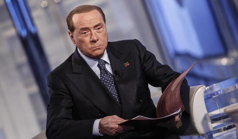 Forza italia rischia di chiudere per i troppi debiti for Parlamentari forza italia