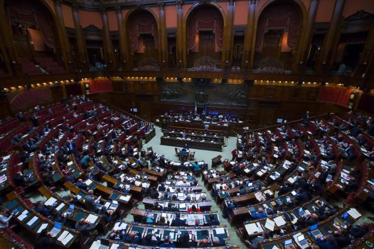Cocaina nei bagni del parlamento trovata dal fatto for Oggi in parlamento