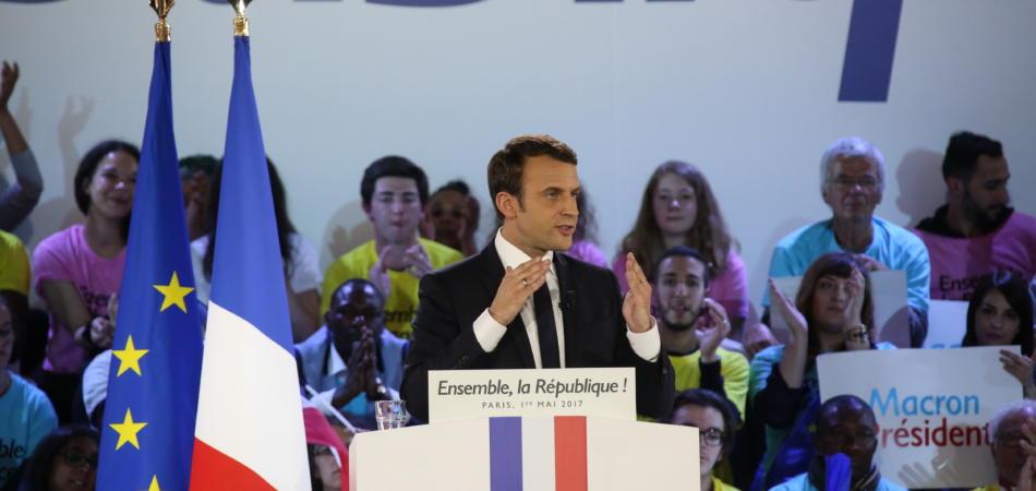 Macron gay