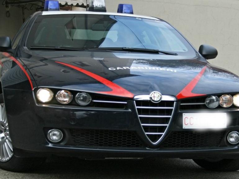 Massa Carrara, arrestati 4 carabinieri per falso e lesioni