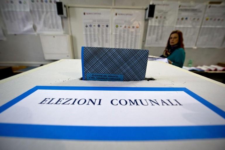 Parma premia Pizzarotti, ballottaggio con Scarpa