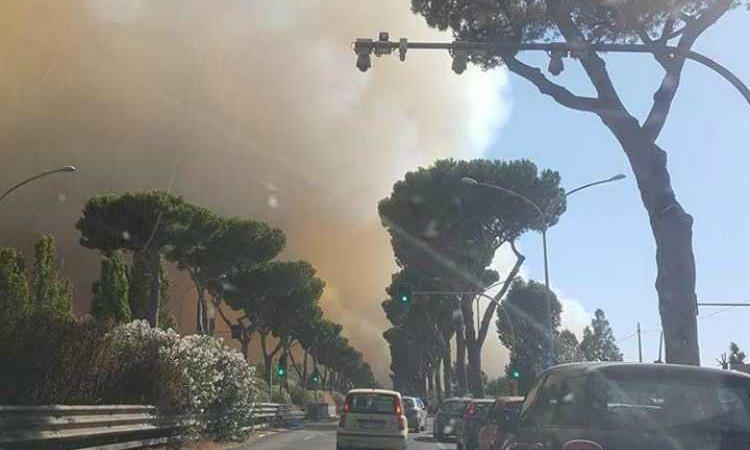 incendio Castel Fusano