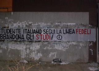 studente italiano abbandona gli studi