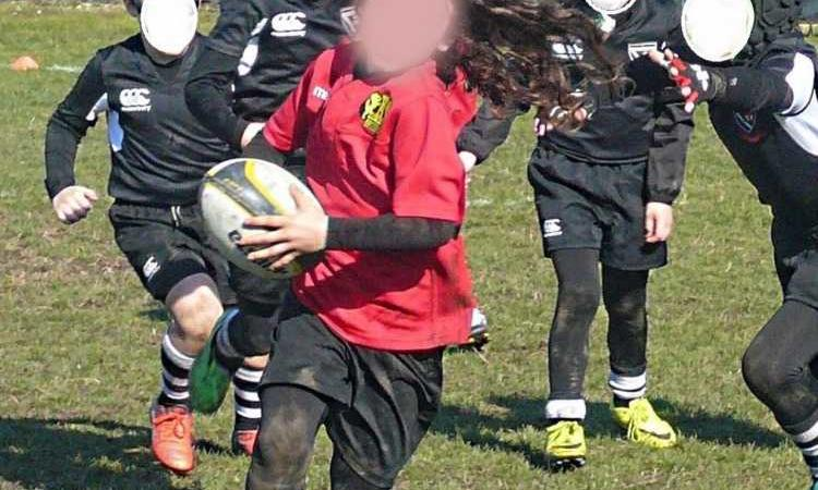 bambino tetano rugby