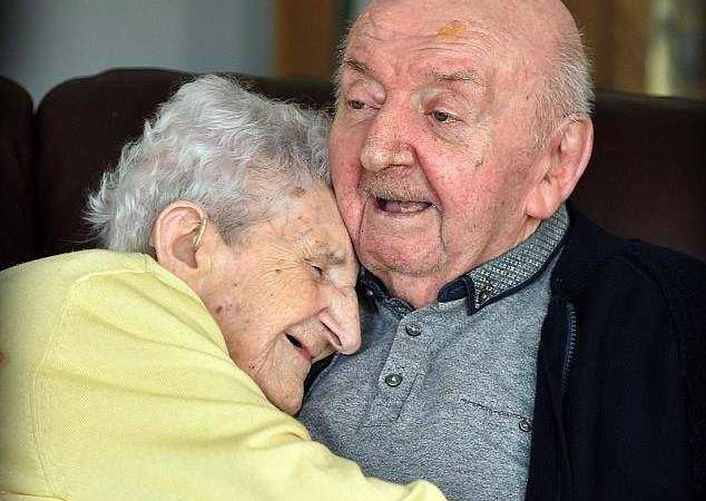 Mamma 98 anni Liverpool