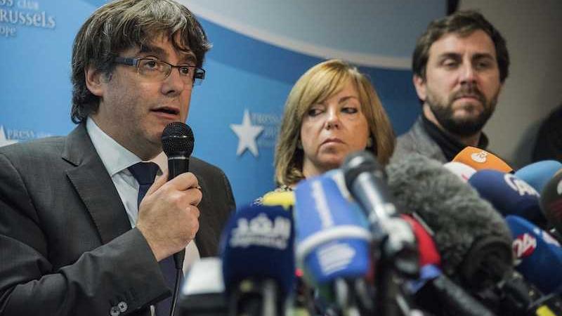 Puigdemont e 4 ex ministri