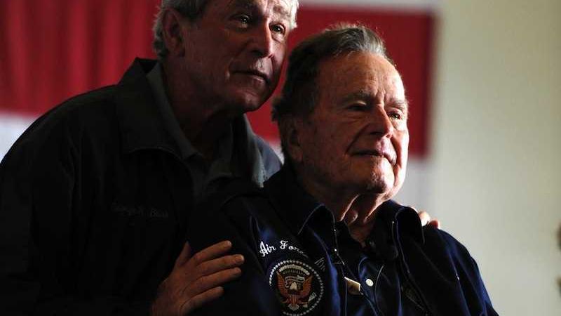 accuse di molestie a Bush senior