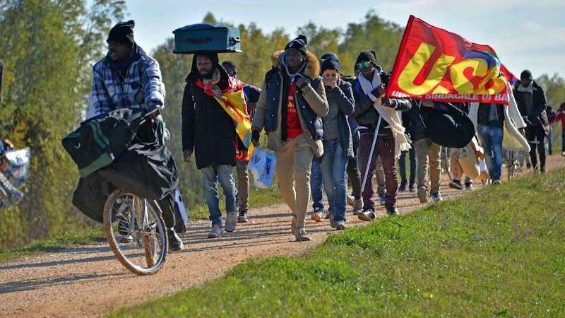 marcia dei migranti verso Venezia