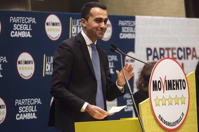 M5s la lista con 23 candidati 39 impresentabili 39 di pd for Elenco parlamentari pd
