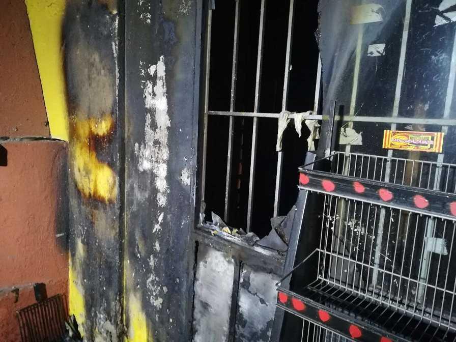 Brescia, incendio doloso al centro sociale Magazzino 47
