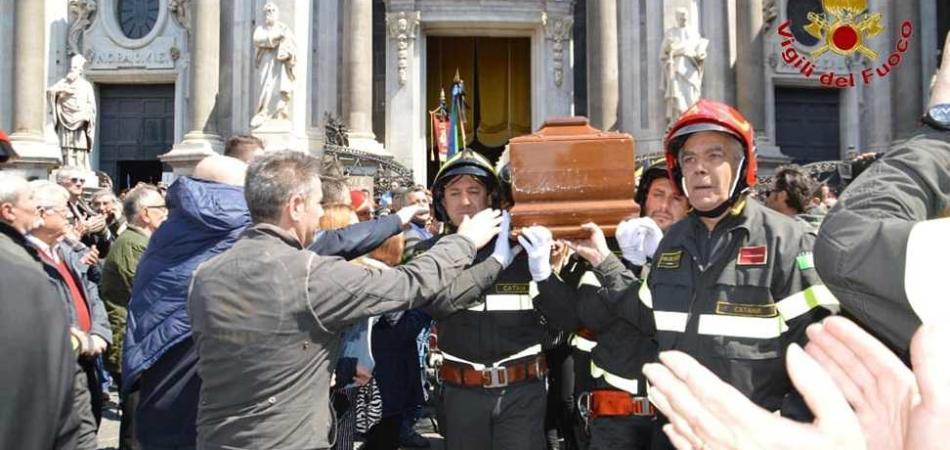 funerali vigili del fuoco